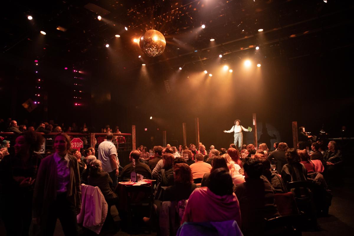 08-Raijene-Murchinson-on-stage-Johanna-Carlisle-Zepeda-Thomika-Bridwell-Mackenzie-Cala-Adrian-Peguero-in-audience-Photo-by-Evgenia-Eliseeva-