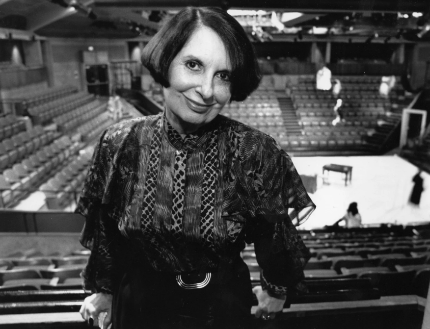 Zelda Fichandler poses for a portrait inside the Arena Stage in 1990. (Lucian Perkins/The Washington Post)